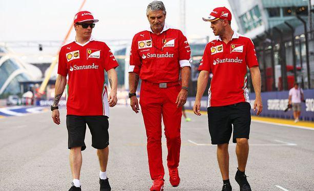 Maurizio Arrivabene ja muu Ferrari-johto ei halua keikuttaa venettä nyt, kun talli on viimein päässyt F1-sarjaa vuosikaudet hallinneen Mercedeksen tuntumaan.
