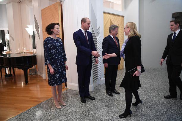 Presidenttipari järjesti päivällisen prinssi Williamin vierailun kunniaksi Mäntyniemessä.