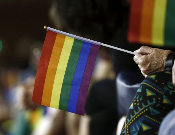 Unkari jatkaa sukupuolivähemmistöjen oikeuksien polkemista.