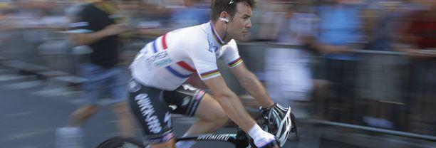 Britti Mark Cavendishin päälle heitettiin virtsaa Tour de Francen 11. etapilla.