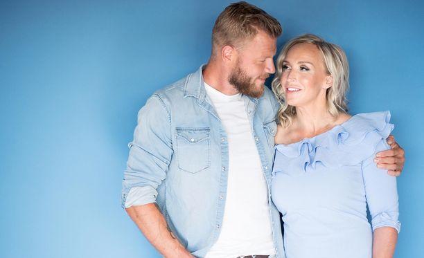Jutta Gustafsberg ja Juha Rouvinen menevät kesällä naimisiin Italiassa.