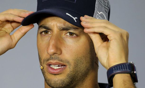 Daniel Ricciardo kävi huulileikkauksessa.