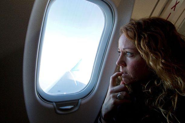Lentopelkoisille järjestetään erityisiä kursseja, joilla kauhun voi saada kuriin.