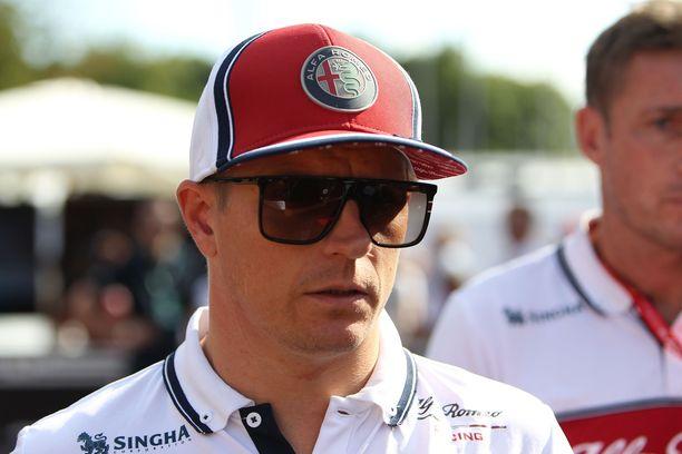 Kimi Räikkönen tarvitsi nopeasti uuden ratin.