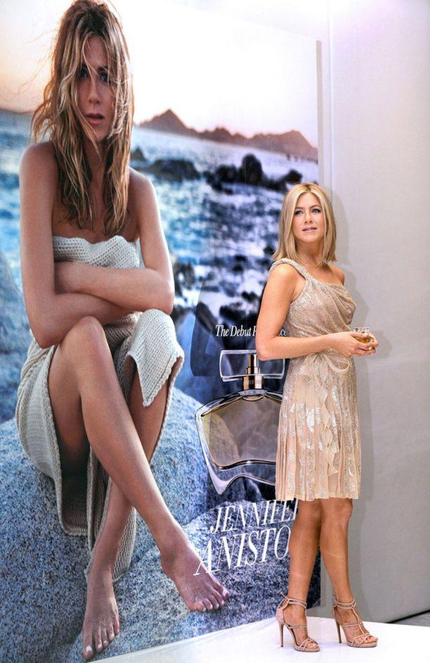 Jennifer Aniston on tottunut mainoskasvo.