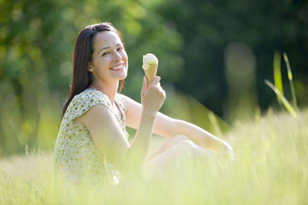Anna kesän tuulettaa mielesi ja lisätä elämäniloasi. Tänä vuonna lomaa ei hukata arjen suorittamispaineisiin.