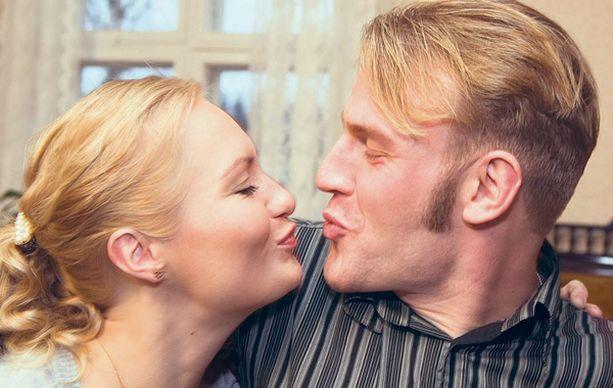 RAKKAUTTA Toma ja Satu eivät ole löytäneet toisistaan vielä yhtään huonoja puolia.