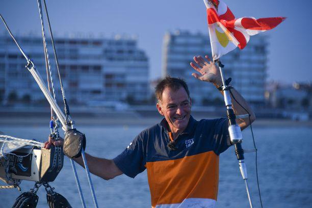 Tapio Lehtinen on Lontoon olympialaisissa 2012 pronssia purjehtineen Silja Frostin (silloin vielä Lehtinen) isä.