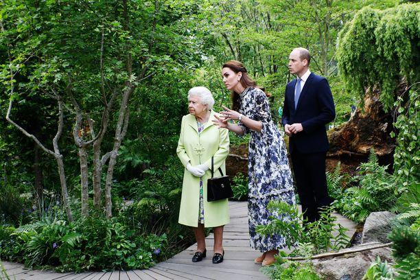 Herttuatar Cateherine kertoi julkkispuutarhuri Monty Donin haastattelussa, että ulkoilu ja pihalla puuhastelu tekevät hyvää mielenterveydelle.