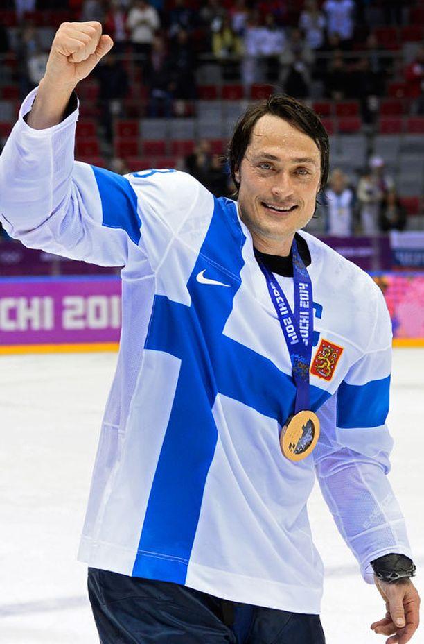 Teemu Selänne pelasi kuudennen kerran olympialaisissa 2014 Sotshissa ja saavutti neljännen olympiamitalinsa.