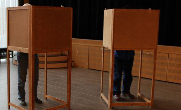 Kittilässä kuntapolitiikan selvittämättömät kiistat heijastuvat kuntavaalien ehdokasasetteluun, sillä kunnassa kerätään nimiä ainakin kahdelle vaihtoehtolistalle.