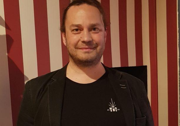 Harri Moisio on tehnyt töitä radiossa jo useita vuosia. Moisio tunnetaan myös Temptation Island Suomi Extran kommentaattorina.