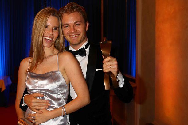 Nico ja Vivian Rosberg juhlivat yhdessä Nicon F1-maailmanmestaruutta 2016.