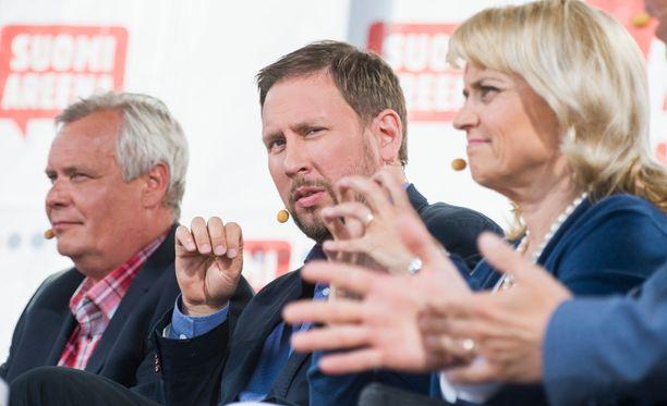 Antti Rinne, Paavo Arhinmäki ja Päivi Räsänen osallistuivat SuomiAreenan puheenjohtajapaneeliin Porissa.