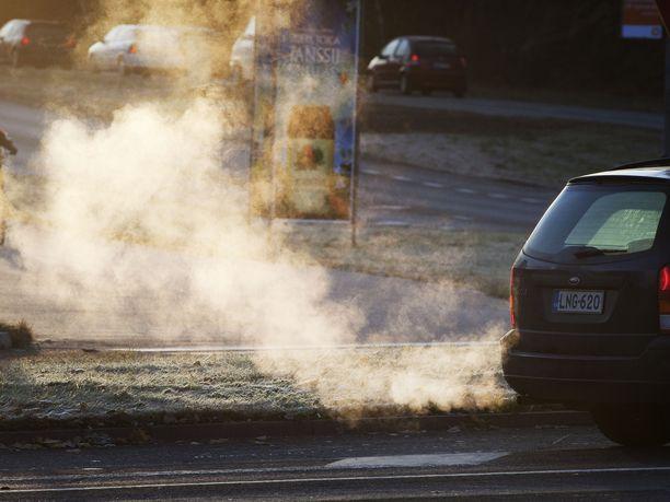 Suomen hallitus on sitoutunut puolittamaan liikenteen päästöt.