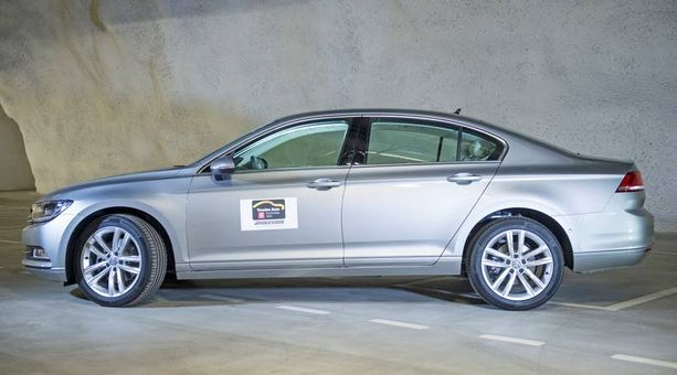 Uusi Volkswagen Passat nostaa Volkkarin osuutta ensirekisteröinneissä.