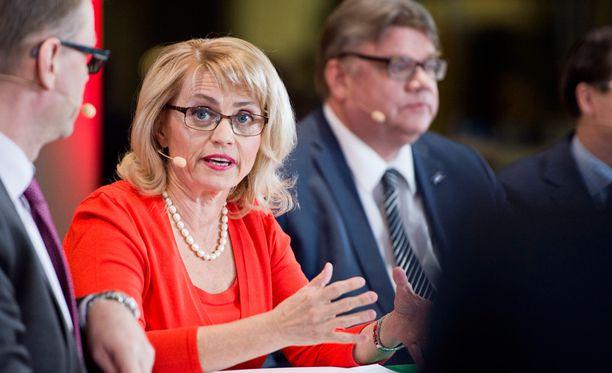 Päivi Räsänen kiittelee perussuomalaisten johtoa kohun käsittelystä.