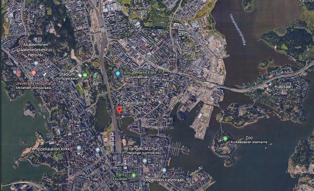 Tokoinranta on suosittu ajanviettoalue reilun kilometrin päässä helsingin keskustasta.
