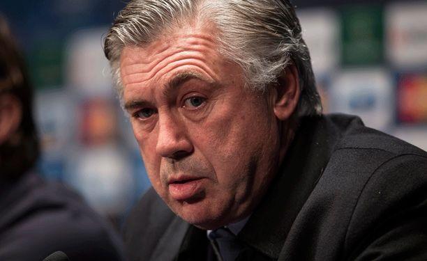 Carlo Ancelotti on vaihtamassa maisemaa.