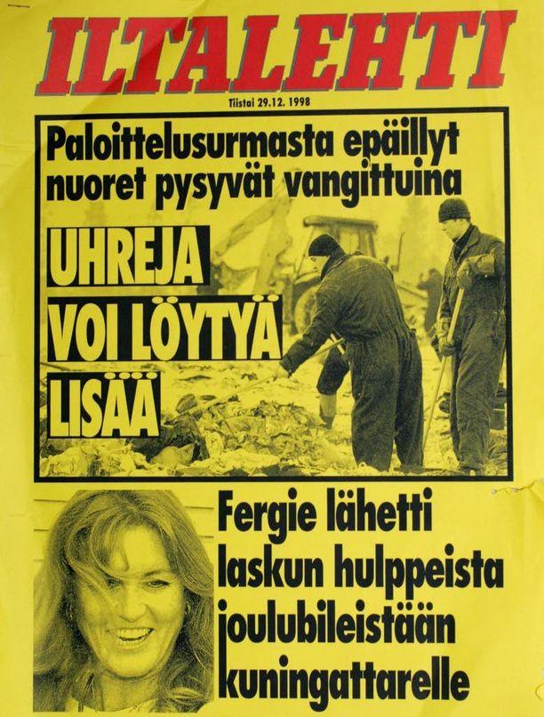 Lukuisat poliisit etsivät viikkokausia paloittelusurman uhriksi joutuneen nuoren miehen ruumiinosia kaatopaikalta Hyvinkäältä vuonna 1998.