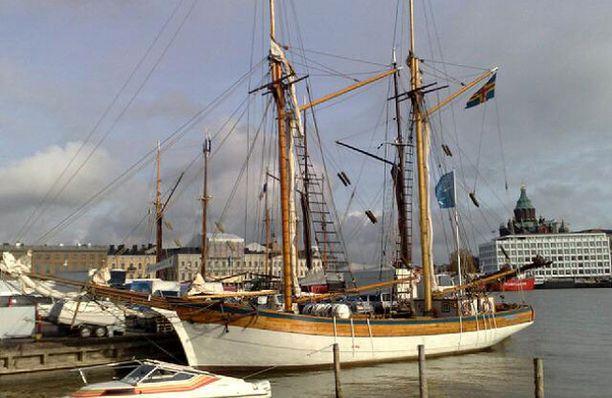 Suuret purjelaivat kokoontuvat Helsinkiin perinneviikonloppuna.