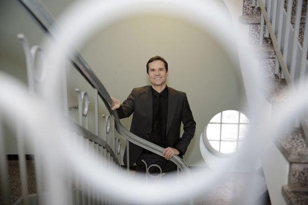 Ulkopoliittisen instituutin ohjelmajohtaja Mika Aaltolan mukaan valtarakenteiden maailma on yhä enemmän mosaiikkia.