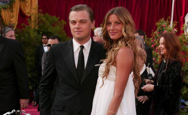 Leonardo DiCaprio ja Gisele Bundchen poseerasivat yhdessä suhteensa loppumetreillä helmikuussa 2005.