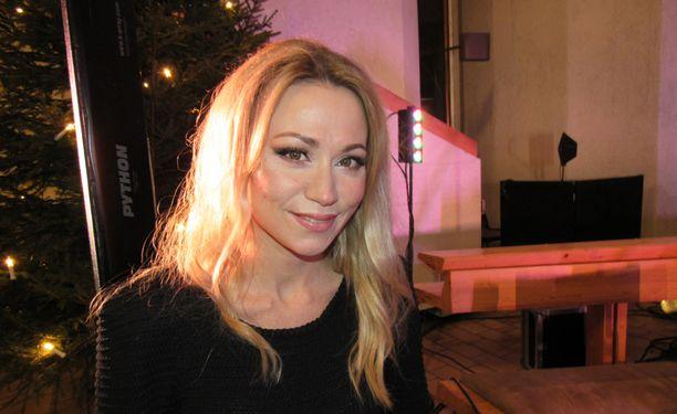 Ilman levy-yhtiötä esiintyvä Anna Eriksson laulaa joululauluja kirkoissa vielä Lahdessa, Kirkkonummella ja kotikaupungissaan Uudessakaupungissa.