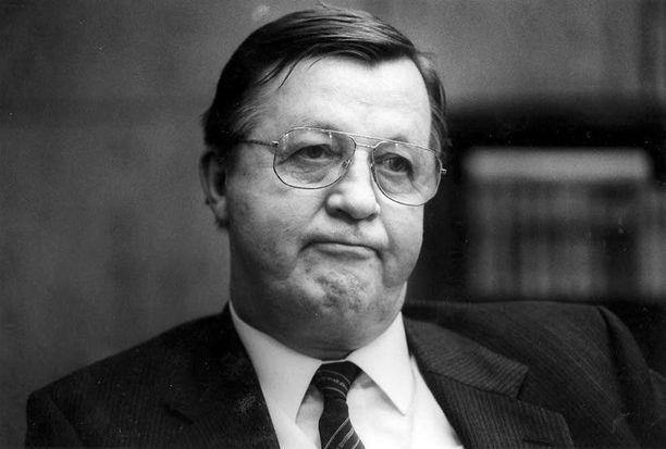 Kalevi Sorsa loi hyvät yhteydet niin presidentin kansliaan kuin itänaapuriinkin.