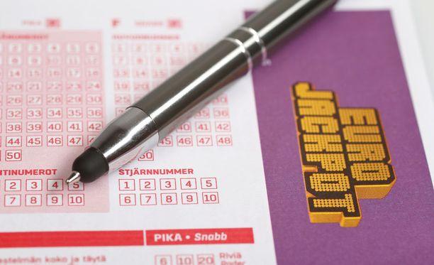 Akaalaisilla on ollut viime vuosina onnea Eurojackpotissa.