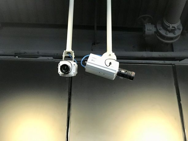 Kiinassa kamerat valvovat kaikkea. Niiden taustalla pyörii tietojärjestelmä, joka tunnistaa kasvoista jo yli 90 prosenttia ihmisistä. Jokainen askel jää hallituksen muistiin.