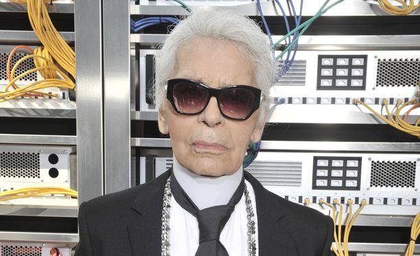 Karl Lagerfeld on Chanelin pääsuunnittelija.