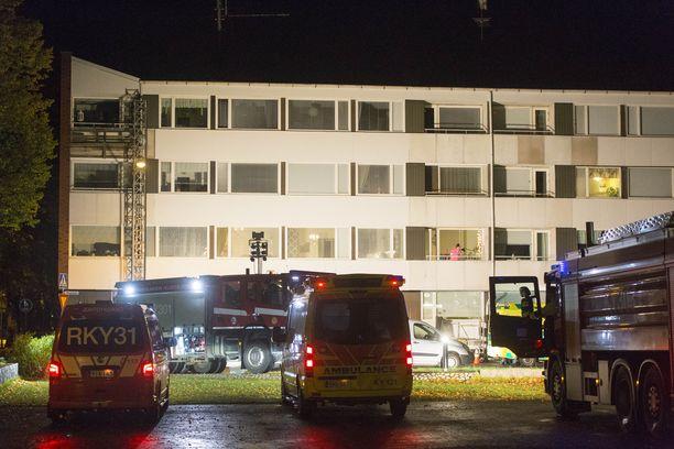 Kymenlaakson pelastuslaitos hälytettiin Kadettikoulunkadulle kello 22.00.