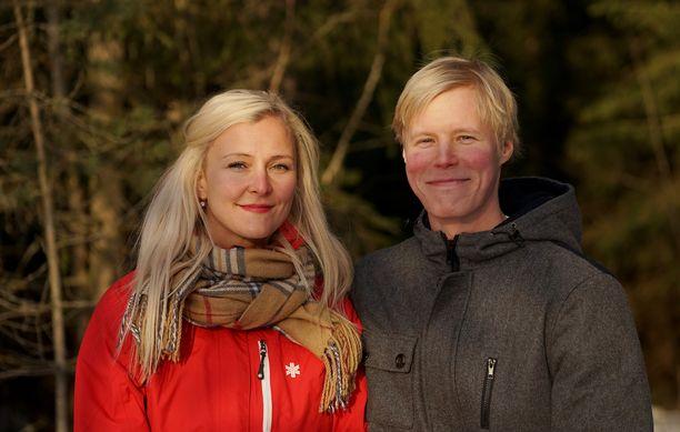 Anu ja Helmeri elävät uusiperheen arkea Hyvinkäällä. Kuva: John Palmén