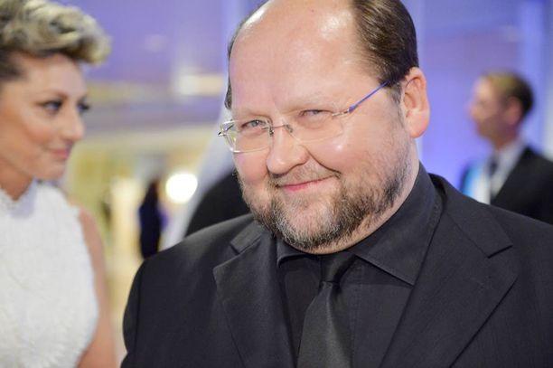 Mitro Repo sai potkut 29. heinäkuuta. Kirkkoherra Markku Salmisen mukaan syynä oli luottamuspula.
