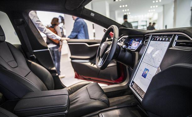 Tälle näyttää Tesla Model S sisältä.