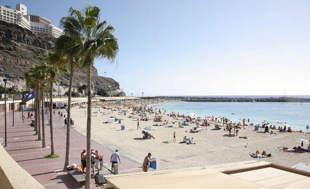 Kanariansaaret on suomalaisten ehdoton suosikkikohde joululomalla. Kuva Gran Canarian rannalta.