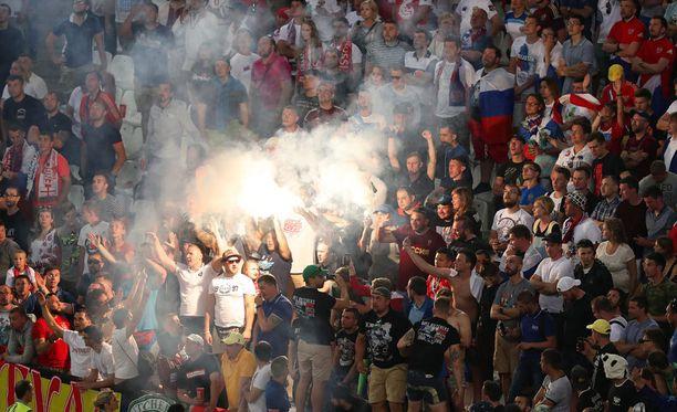 Venäläisten kannattajien toiminta Marseillen stadionilla johti ankariin kurinpitotoimenpiteisiin.