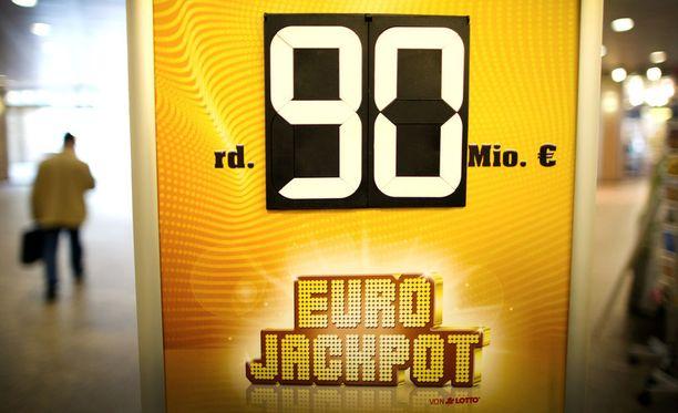 Vain Saksassa on voitettu Suomea enemmän Eurojackpotin päävoittoja.