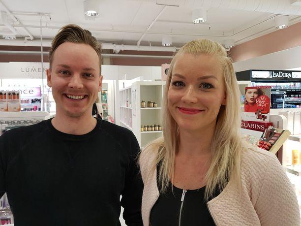 Jaakko ja Paula Kylämarkula uskovat, että joku salaa porukalta voittoa ja miettii koko summan siirtämistä rikollisesti haltuunsa.