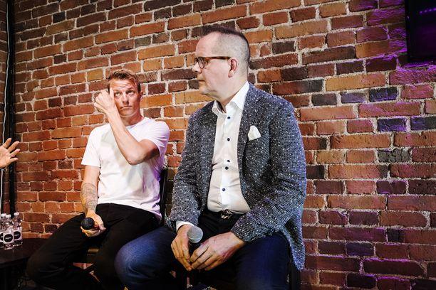 Kari Hotakaisen kirjoittama kirja Kimi Räikkösestä tuli yleisön saataville elokuussa 2018. Parivaljakko järjesti tiedotustilaisuuden 16.6.2018 Helsingissä ravintolassa Walliksessa.