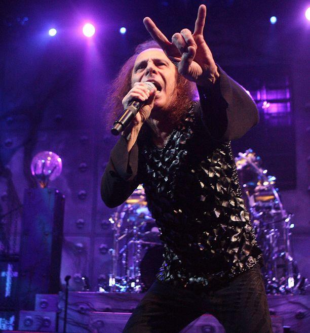 Ronnie James Dion tyylinäyte.