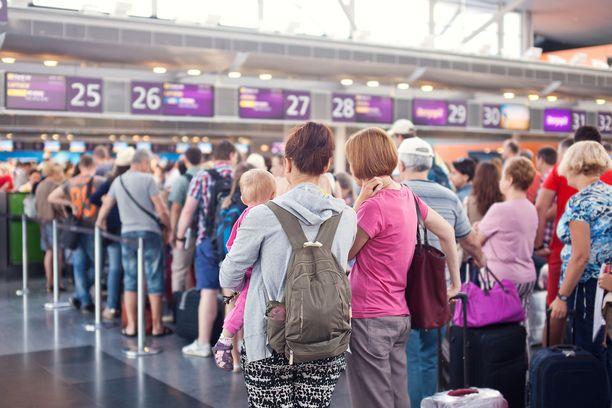 Ennen koronaa jonottelimme surutta sumpussa esimerkiksi lentoasemilla.
