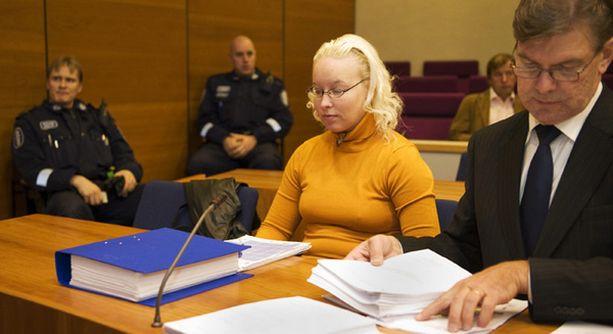 Insuliinimurhasta tuomittu Katariina Lönnqvist ja hänen puolustusasianajajansa Pertti Patrikainen päätyivät valittamaan käräjäoikeuden tuomiosta.