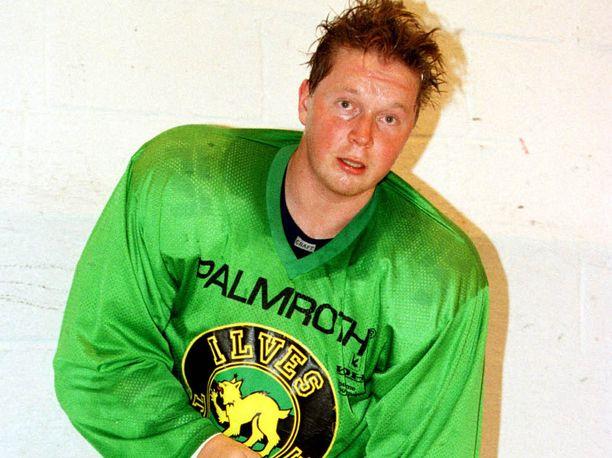 Joni Lehto pelasi uransa viimeisellä kaudella (1997–98) Ilveksessä ja Ässissä.
