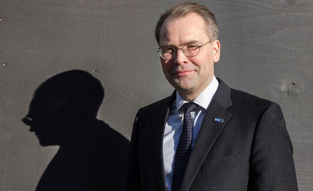 Puolustusministeri Jussi Niinistön mukaan Suomen hanke sai positiivista huomiota epävirallisessa EU-puolustusministerikokouksessa Bratislavassa.