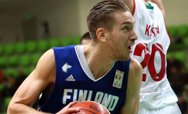 Anton Odabasi pelasi ennakkoluulottomasti maajoukkuedebyytissään Bulgariassa.