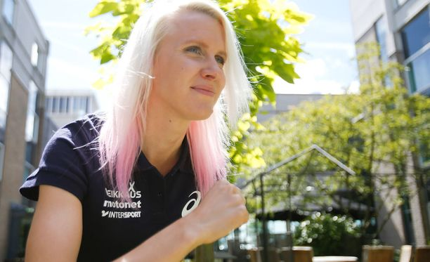 Sandra Eriksson juoksee sunnuntaina esteiden EM-finaalissa.