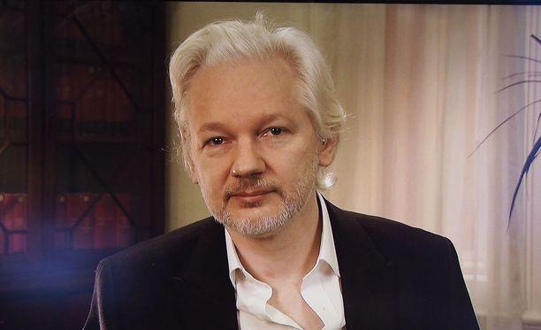 Wikileaks-vuotosivun perustaja Julian Assange voisi suostua luovutettavaksi Yhdysvaltoihin, jos presidentti Barack Obama armahtaa tietovuotaja Chelsea Manningin.