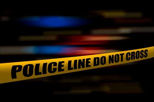 Poliisi tutkii kolmen nuoren kiekkoilijan kuolemaa Surreyn kaupungissa.